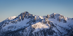Montagnes enneigées - Snowy mountains (jeff_006) Tags: sunset mountain snow alps rock landscape olympus summit pro f28 omd 40150 em5