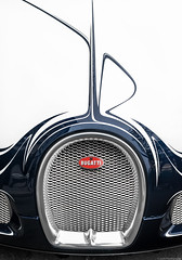 Bugatti Veyron Grandsport L'Or Blanc. (JayRao) Tags: paris france nikon saudi april bugatti luxury veyron ksa 2015 d610 grandsport hypercar orblanc saudicars