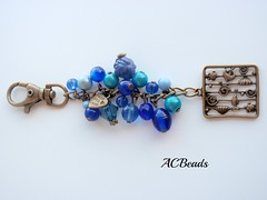 Blue Bag Charm (ACBeads) Tags: blue sea glass vidro mar beads artesanato bead mala beaded glassbeads beadwork enfeite bagcharm beadedbagcharm acbeads acbeadsjewellery enfeitedemala