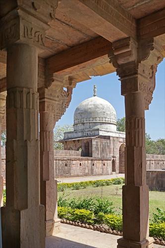 L'entrée du tombeau de Hoshang Shah (Mandu, Inde)