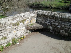 Staverton Bridge Pedestrian Seat South Hams Devon (Bridgemarker Tim) Tags: bridges devon staverton recesses turnpikes