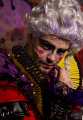 The Emperor no 2 (color) (Rikardsdotter) Tags: color colour make up canon drag eos theater play colorfull makeup queen dragqueen tamron emperor colourfull theaterplay 550d hrskare canoneos550d rikardsdotter holmstromphotography hrskaren annacajsaholmstrm