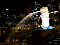 Marina Bay, Singapore - Merlion (zanydog) Tags: marina bay merlion marinabay singaporemerlion singaporenightscenery sonyrx1singaporesingapore