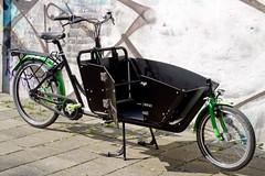 WorkCycles Kr8 V8 w doggie door (@WorkCycles) Tags: amsterdam bakfiets bakfietsen bicycle bike boxbike cargobike dutch fiets kr8 straight winter workcycles rtr