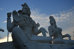 Kailashigiri (Shashi Shah) Tags: vizag andhrapradesh visakhapatnam shivastatue hilltoproad shivparvati bigshivatemple skwebmedia kailashigiri kailashgiritemplevizag bigstatueshiva