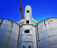 Moon landing... (HOLLY HOP) Tags: building abandoned architecture rural outdoors decay farming grain bluesky silo agriculture ruraldecay grainsilo postprocessing hss ruralindustry tarnagulla sliderssunday