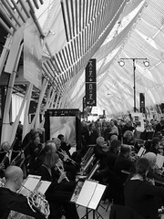 Mozart to go  la Gare Saint-Roch Montpellier (Leighton Cooke) Tags: music train opera montpellier mozart trein sncf garesncfdemontpelliersaintroch