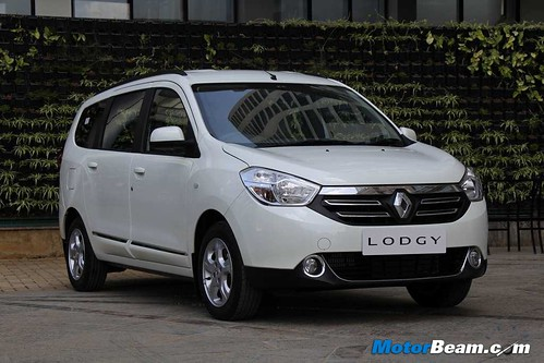 2015-Renault-Lodgy-55