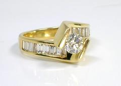 Gold and Diamonds (theappraiserlady) Tags: baguettes engagementring ring diamond amarillo weddingrings jewel goldrings oro anillo diamondring yellowgold goldenring diamantes joyas 14kt oroamarillo theappraiserlady bypassring floatingdiamond