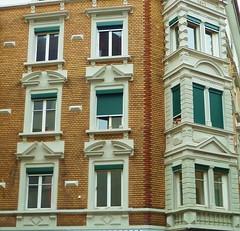 Zrich (micky the pixel) Tags: building window schweiz switzerland suisse fenster architektur zrich gebude fassade erker heinrichstrasse