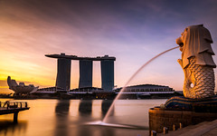 First light at the Merlion Park (jh_tan84) Tags: park longexposure blue light reflection water clouds marina sunrise dawn bay singapore merlion marinabaysands