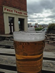 Alfresco Drinking (RoystonVasey) Tags: apple beer glass newcastle pub inn 5 free tyne pint trade tyneside iphone