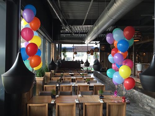 Tafeldecoratie 10ballonnen Gronddecoratie Watertuin Spijkenisse