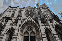 St. Thomas Church Fifth Avenue (Thomas Dwyer) Tags: city newyork church nikon tokina fifthavenue episcopal stthomas 1224 thomasdwyer