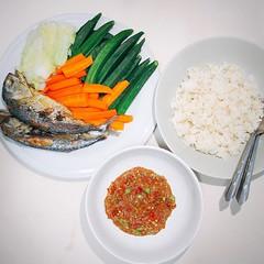 เมนูแสนธรรมดา แต่ช่างเลอค่า เพราะฝีมือเราเอง       #น้ำพริกกะปิ #ปลาทู  Fried Mackerel with Shrimp Paste Sauce (nam prik kapi pla too)  #cooking #thaifood #dinner