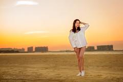 Daria 020 (Svetlana Kniazeva) Tags: park sunset portrait beach canon model dubai style photosession lifestylephotography 50mmf12l dubaiphotographer svetlanakniazeva photosessionindubai