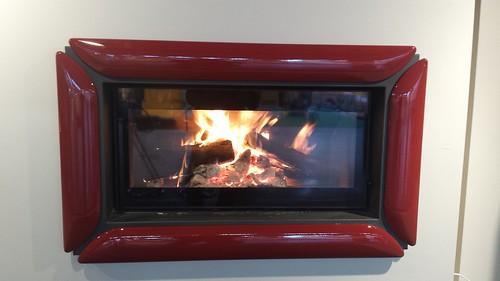 Monoblocco a legna 90x44 con cornice maiolica rosso lava