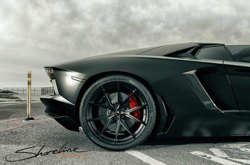 Lamborghini Aventador Roadster от Shoreline Motoring