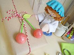 Que delícia! (Ateliê Bonifrati) Tags: birthday cute cherry diy craft gift aniversário cereja pap presente passoapasso bonifrati façavocêmesmo