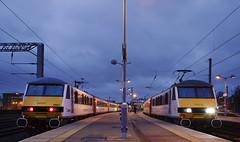 90002 & 90011 Norwich 21/03/2015 (Flash_3939) Tags: uk white station electric night train dark march dusk rail railway norwich locomotive sidebyside terminus livery 2015 class90 geml abellio easterndailypress eastangliandailytimes 90011 82118 82152 90002 locohauled greateranglia angliaplus