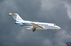 Hawker Beechcraft 4000 N402SE Landing at Geneva during EBACE 2016. (Austyn Pratt) Tags: plane airplane geneva aviation flight aeroplane beechcraft hawker bizjet privatejet corporatejet ebace n402se