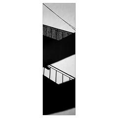 Ombres de deux balcons (L'autre CtrlcCtrlv) Tags: cable mur immeuble ombres balcons minimalisme gomtries