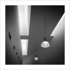 Dos llums / Two lamps (ximo rosell) Tags: light blackandwhite bw blancoynegro luz architecture buildings arquitectura nikon interiors bn d750 lamps interiores llum lamparas ximorosell