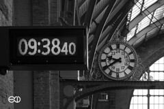 Planar 45mm 2 (Ney Bokeh) Tags: london clock time mf planar oldnew carlzeiss contaxg