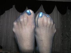 Fran015 (J.Saenz) Tags: feet foot pies fetichismo stockings medias nylons pantyhose pantys hosery calze collant bas hose podolatras pieds mujer woman dedo toe pedicure nail ua polish esmalte pintada toenail