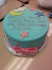Gender neutral babyshower fondant cake. (byjesboo) Tags