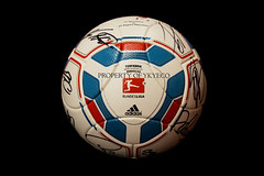 TORFABRIK BUNDESLIGA 2011-12, AUDI CUP 2011 MATCH USED ADIDAS BALL, FC BARCELONA VS FC BAYERN MUNCHEN - SIGNED BY FC BAYERN MUNCHEN  03 (ykyeco) Tags: barcelona cup ball bayern football fussball top soccer ballon used match munchen vs bola adidas audi fc pelota signed bundesliga palla balon pallone pilka  omb torfabrik 2011  matchball spielball 201112