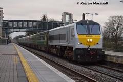 8209 passes Portlaoise, 27/7/15 (hurricanemk1c) Tags: irish train gm rail railway trains enterprise railways irishrail 201 nir generalmotors portlaoise 2015 emd iarnród 8209 éireann northernirelandrailways iarnródéireann 1700heustoncork