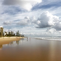 Looks like another great day of #cloudporn at #surfersparadise #beachlife #happygirl #goldcoast #ilovethegoldcoast #VisitSurfersParadise #thisisqueensland #beachwalk #ilovethegc #lovelifeonthegoldcoast #visitgoldcoast #thisisgoldcoast #exploreaustralia #i
