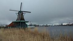 Zaanse Schans (Gijlmar) Tags: holland netherlands amsterdam clouds europa europe cloudy nederland holanda nublado zaanseschans zaanse schans hollande avrupa amsterdo hollanda  amszterdam amsterd nederlnderna pasesbaixos msterdam