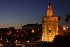 Torre del Oro (dmaldonadodelmoral) Tags: city longexposure travel light sunset espaa architecture night canon atardecer 50mm lights noche sevilla andaluca arquitectura guadalquivir europa europe long exposure edificio cityscapes ciudad seville andalucia viajes silueta andalusia aire libre travelblog viajar torredeloro longexposition 1100d travelblogger canon1100d