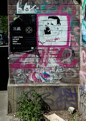 HH-Stencil 943 (cmdpirx) Tags: street urban color colour art public cutout painting fun one graffiti stencil nikon paint artist 7100 d space raum kunst strasse hamburg humor can spray crew layer multiple hh aerosol farbe schablone ffentlicher kuenstler