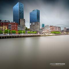 Tours jumelles (Arnaud Bertrande | Photographe) Tags: isozakiatea immeubles btiments bilbao espagne nuage