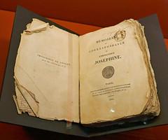 Napoleon's personal copy of Memoires et correspondence de l'imperatrice, 1820 (Monceau) Tags: de book larme napolon memoiresetcorrespondencedelimperatrice 1ernapoleonsainte hlneexhibitionmuse