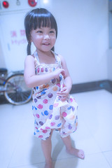 KUN_4509# () Tags: baby cute kids children nikon child f14 g wide happiness kawaii littlegirl 24mm  extendedfamily      playinggame lovefamily 2414   d3s   nikonafsnikkor24mmf14ged