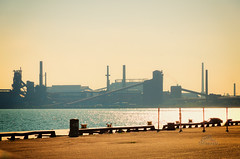 The Hazy Dayz of Summer (_Matt_T_) Tags: arcelormittaldofasco dofasco hamilton haze heat k5iis nikcolorefexpro4 pentax smcpda18135mmf3556edalifdcwr steelmill stelco summer ussteel harbourfront