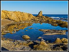 La Vila Joiosa: Reflejos vespertinos (edomingo) Tags: edomingo olympusepl1 mzuiko1442 playaestudiantes lavilajoiosa alicante playa reflejos marinabaixa uro