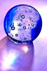 BlueBowlOnDesk (E-C-K ART) Tags: bowl glass blue bubble water shiny shining light table macro makro drop reflection nikon tamron d5100 macromonday removedfromstrobistpool nooffcameraflash seerule1