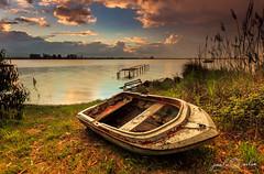 Old Boat, Ria de Aveiro (paulosilva3) Tags: sunrise canon de landscape eos boat lee filters ria aveiro waterscape 6d polariser murtosa