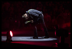Matthew Bellamy (Valentina Bruno JDM) Tags: italy music milan love colors canon photography lights photo tour matthew live best muse passion bellamy passione drones showman drone assago frontman livemusicphotography 60d canon60d dronestour2016 assogoforum