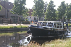 boot in de Vaart in Assen (willemsknol) Tags: assen vaart recreatievaart willemsknol