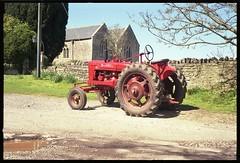 Retina IB (Big B Ausf II - Late) - McCormick Farmall Tractor, Chelvey Barn, Somerset (TempusVolat) Tags: tractor film 35mm kodak scanner somerset scan scanned epson scanning gareth perfection ib farmall mccormick retina tempus v200 redtractor chelvey epsonperfection volat wonfor mrmorodo garethwonfor tempusvolat