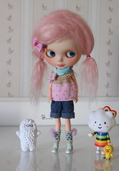 ~ Lena ~ (AninhaDias) Tags: pink girl canon 50mm rainbow doll julia plastic mohair blythe neo boneca custom hybrid miss takara tomy cabral sbl mueca plstico toyart treeson leninha pd1ae