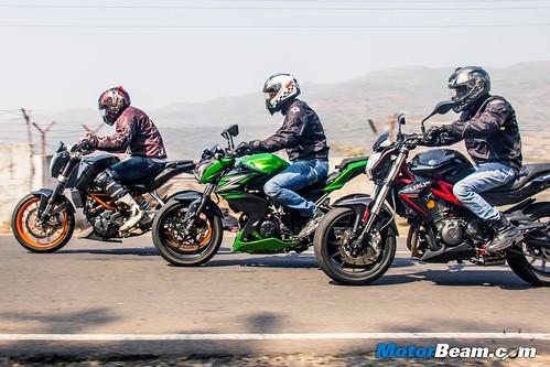 Kawasaki-Z250-vs-Benelli-TNT-300-vs-KTM-Duke-390-04