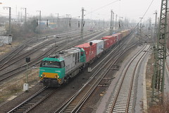 D-loc 1272 405-2(Emmerich 20-3-2015) (Ronnie Venhorst) Tags: 2005 railroad train canon deutschland eos rebel rotterdam europe br diesel d g eisenbahn rail railway zug db cargo mm t3 bb 80 bahn 92 trein spoor bv duitsland deutsche 1100 spoorwegen bundesbahn spoorweg 20003 2015 emmerich 4052 1435 dloc baureihe dieseltrein 1272 goederentrein vossloh 1100d containertrein dlok bbdh dieselmaterieel eos1100d kombirail spoormaterieel eos1100 5001606 datld