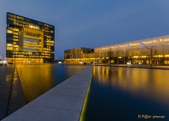 ThyssenKrupp HQ Essen (www.petje-fotografie.nl) Tags: water essen duitsland industriepark reflectie gebouwen spiegeling hoofdkantoor verlichting blauweuur tyuijssenkrupp